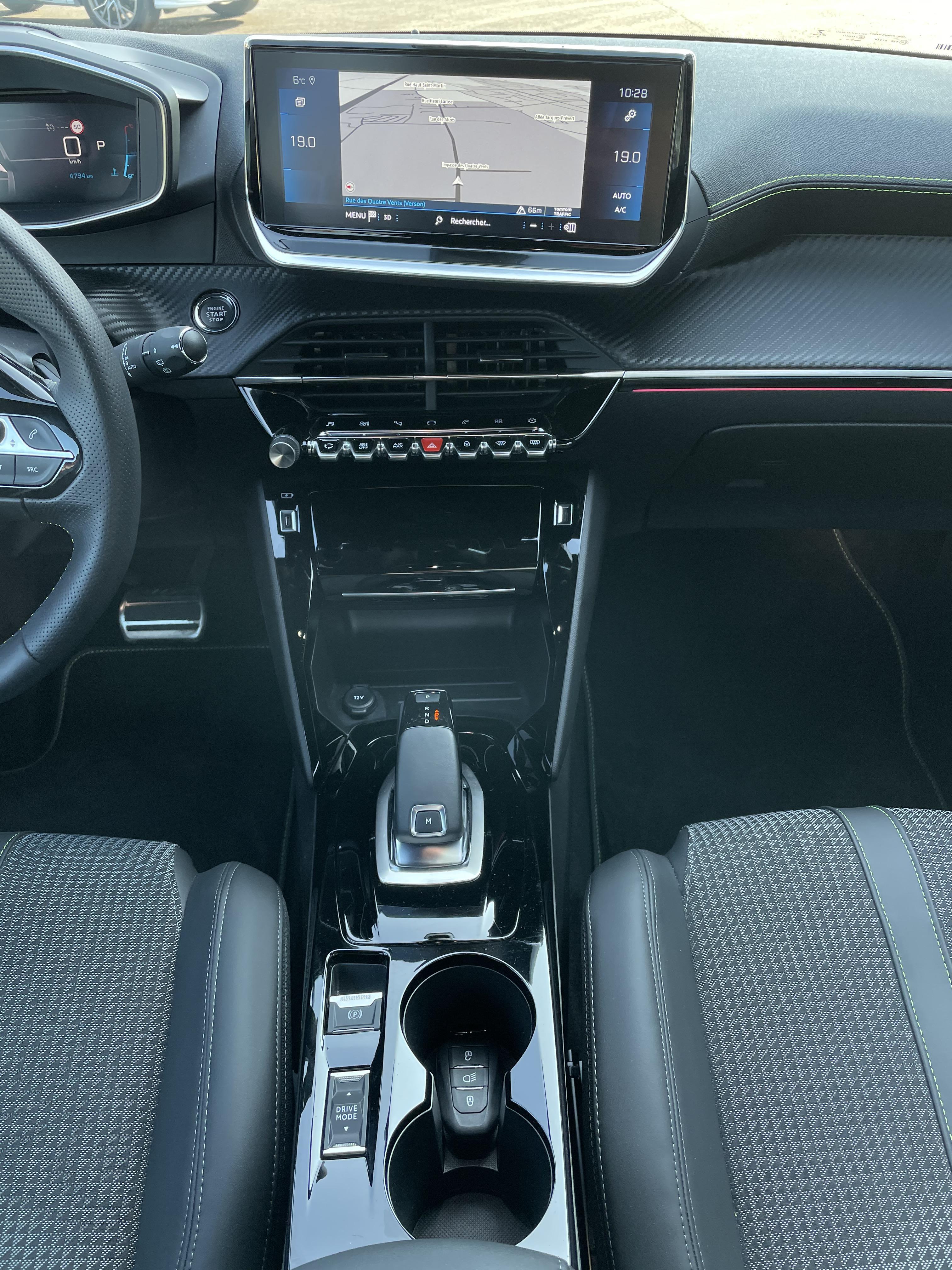 Peugeot 208 1 2 PureTech 100 GT Line EAT8