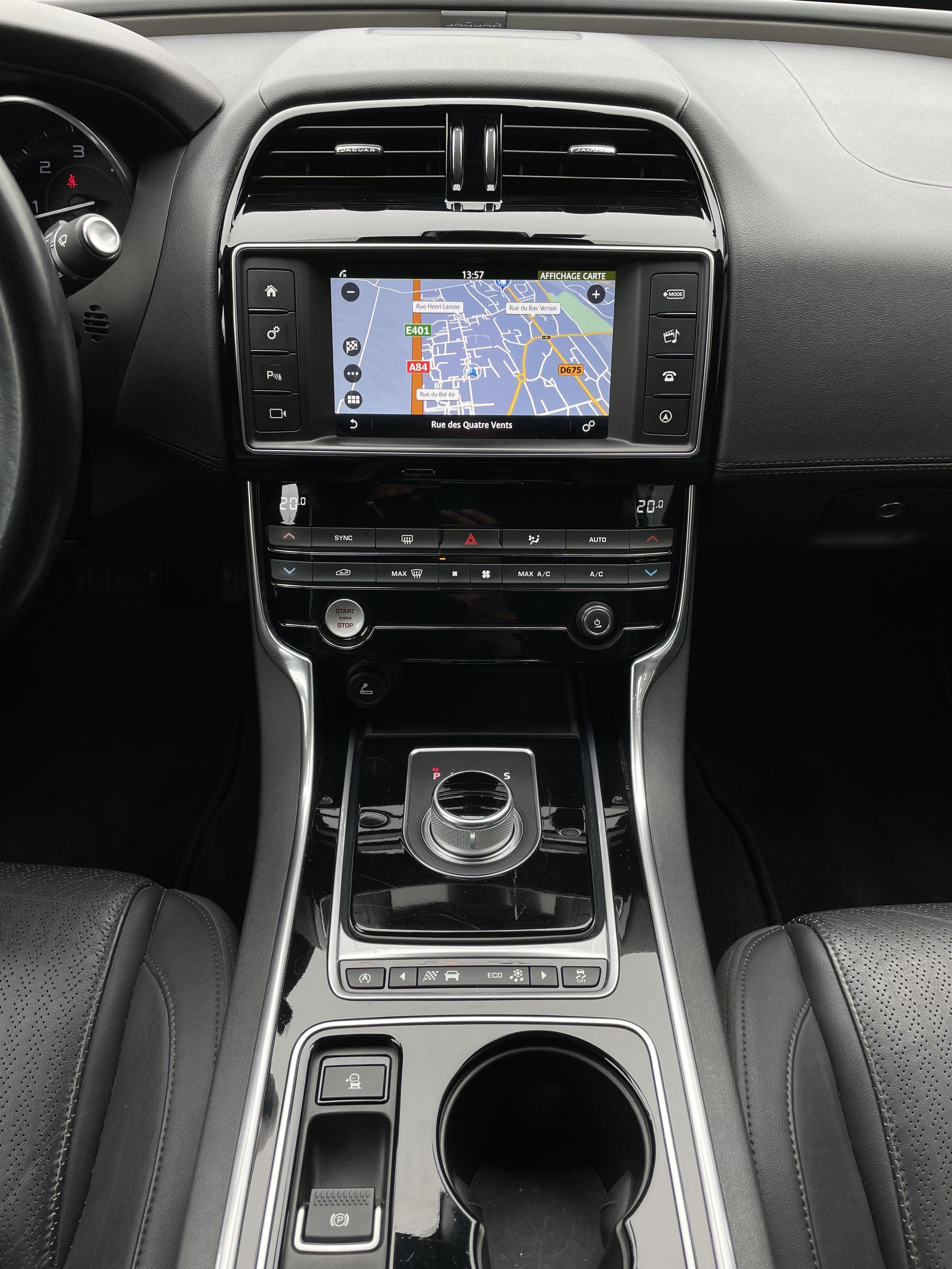 XE 2 0D 180 GPS CAMERA CUIR LED BVA